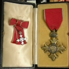 tomas-harris-obe-medals